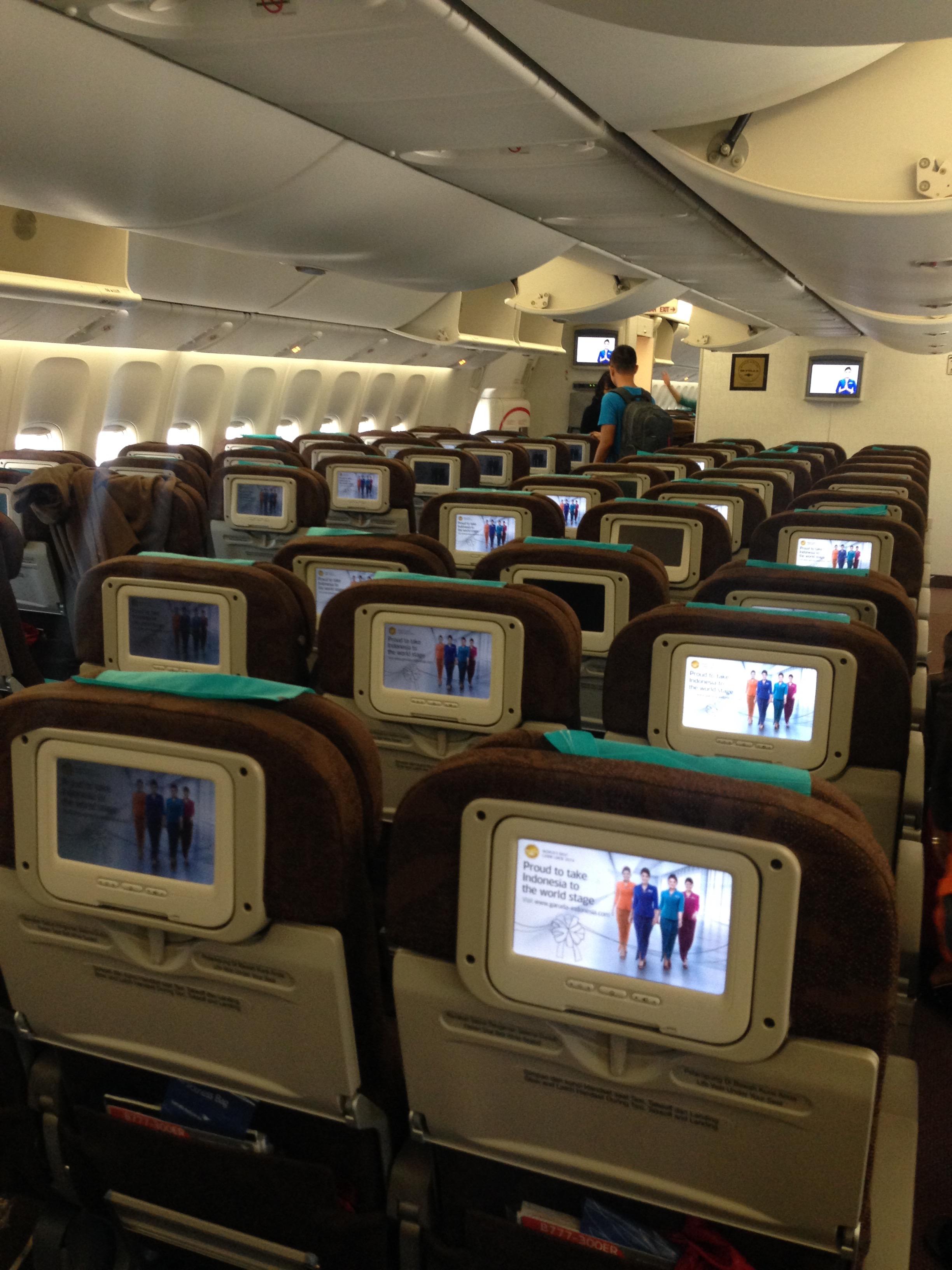 Garuda Indonesia GA 88 Jakarta – Amsterdam Economy Class Review ...
